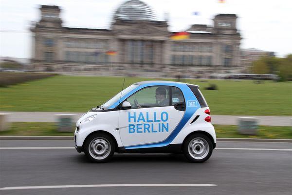 car2go feiert 1 j hrigen geburtstag in berlin. Black Bedroom Furniture Sets. Home Design Ideas