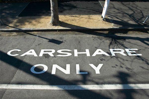 Verkehrsminister Peter Ramsauer plant Parkprivilegien auch für Carsharing