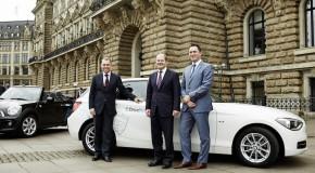 Hamburgs Bürgermeister begleitet DriveNow Start